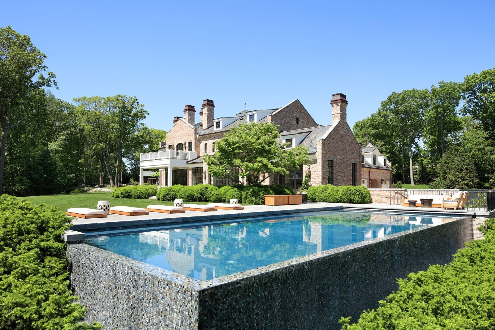 Tom Brady's Brookline, Massachusetts mansion